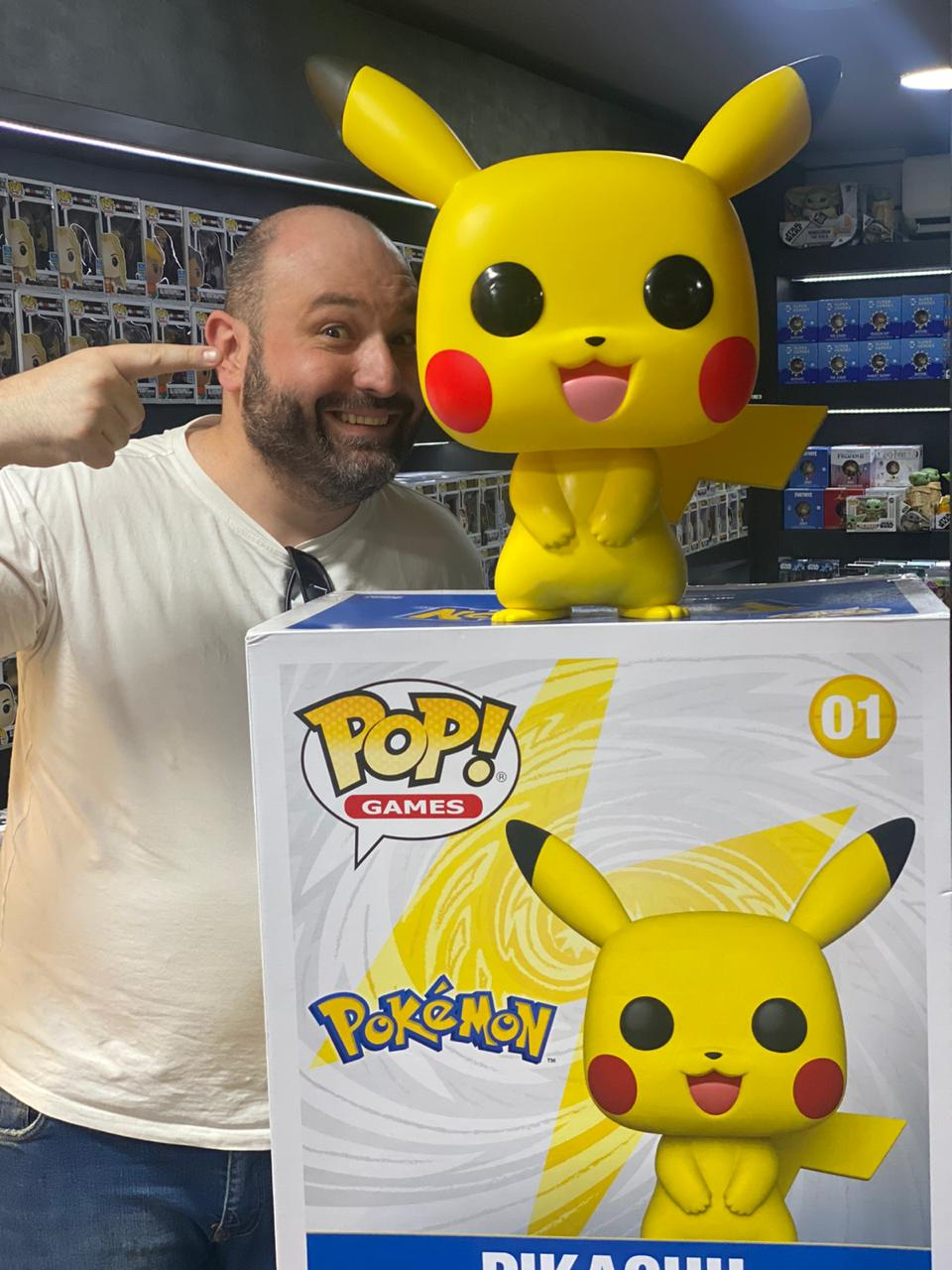 Funko Pop! Pikachu: Super Sized 18