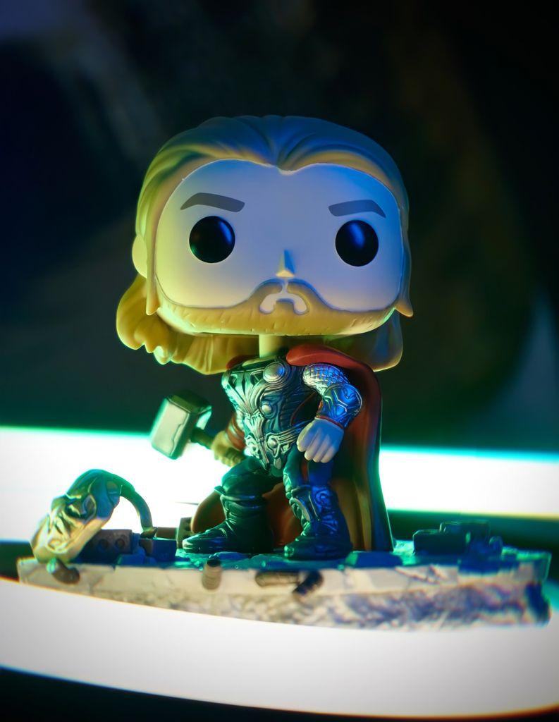 Funko Pop! Thor: Os Vingadores The Avengers Marvel Deluxe Edição Especial Special Edition #587 - Funko