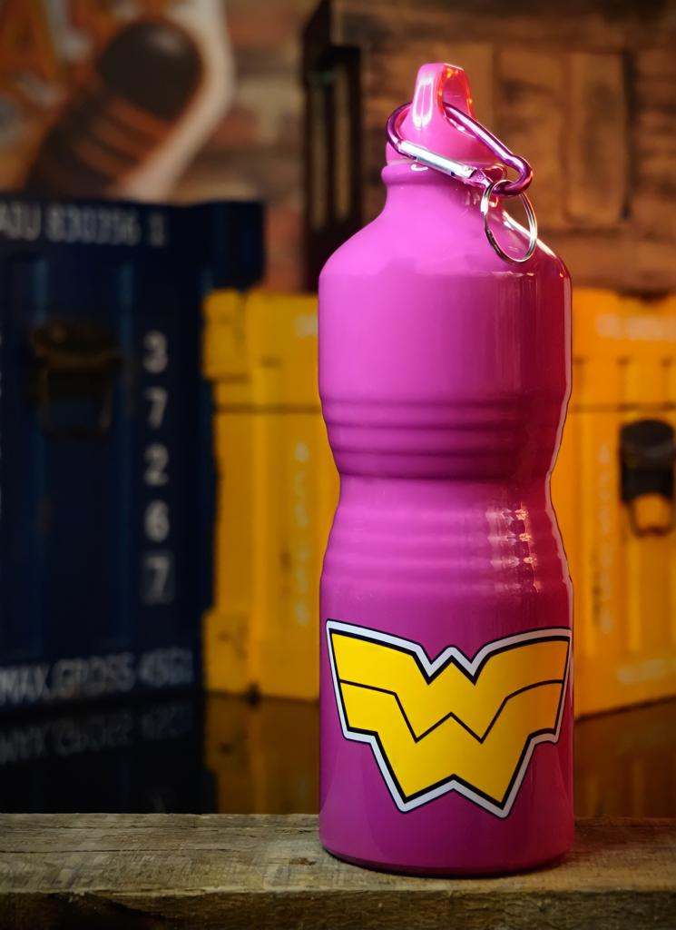 Garrafa Alumínio Rosa Mulher Maravilha: Liga da Justiça - DC Comics
