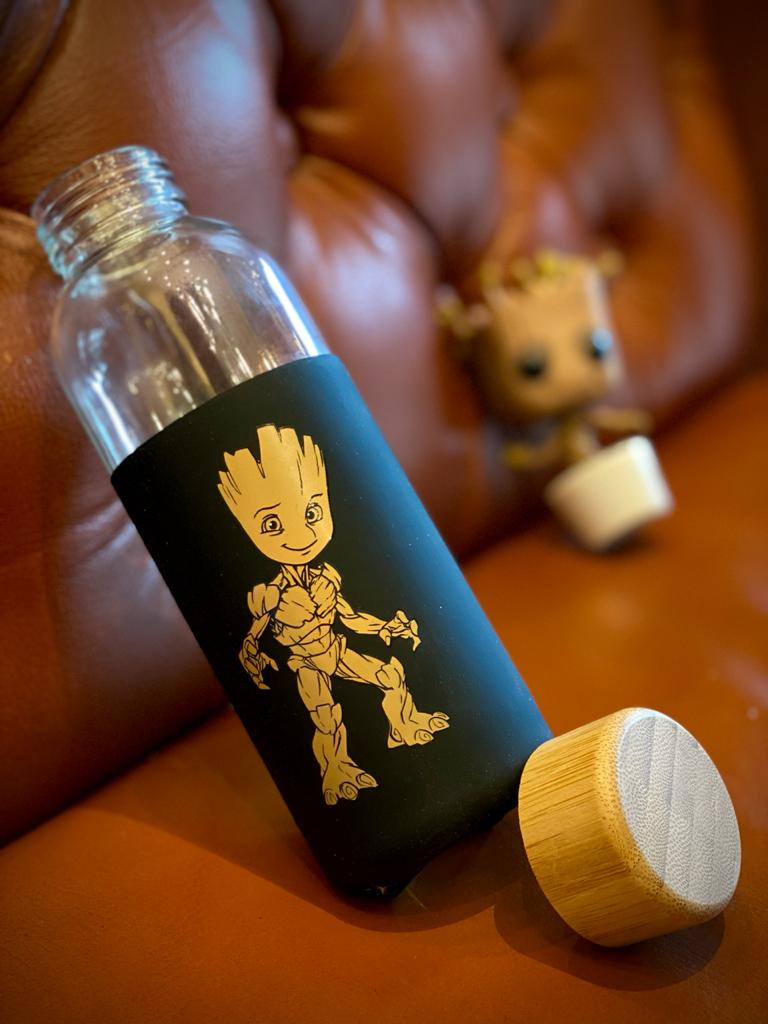 Garrafa De Vidro Eco Geek Groot: Guardiões da Galáxia Guardians Of The Galaxy Marvel 450ML - Zona Criativa