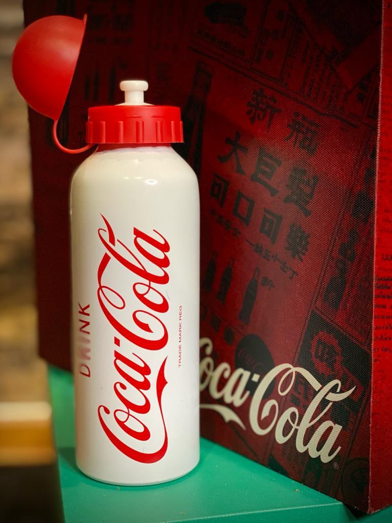 Garrafa Squeeze Aluminio Drink Branco e Vermelho: Coca-Cola - Urban
