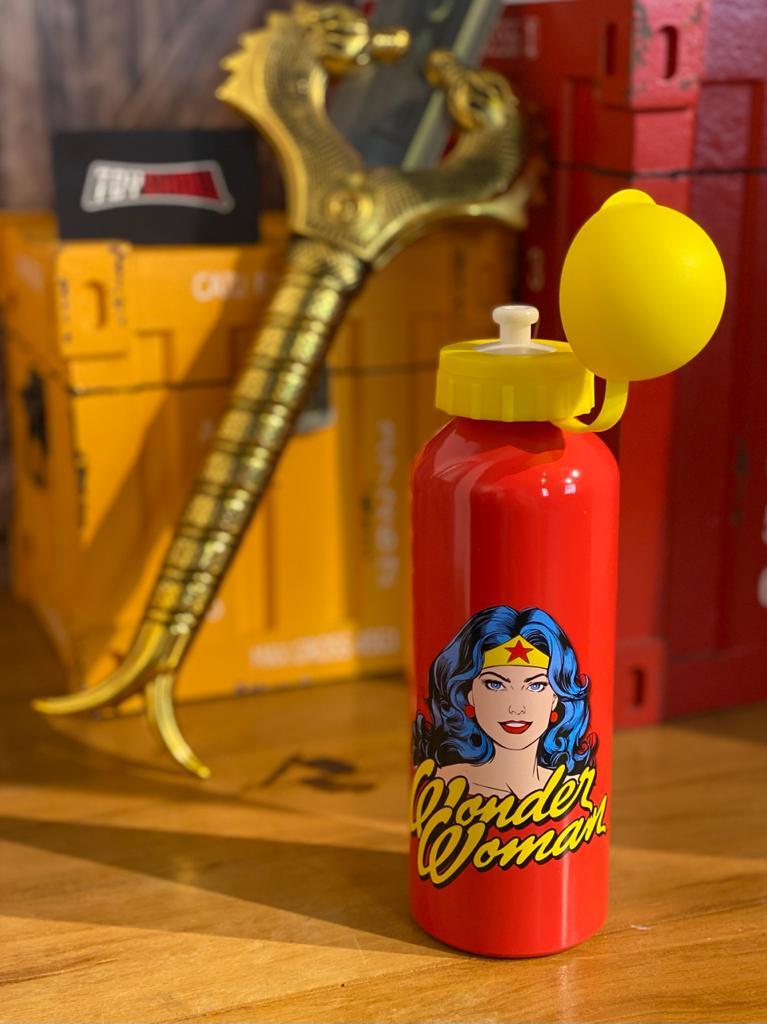 Garrafa (Squeeze) Alumínio Mulher-Maravilha Clássica (Wonder Woman) 500ml - Urban