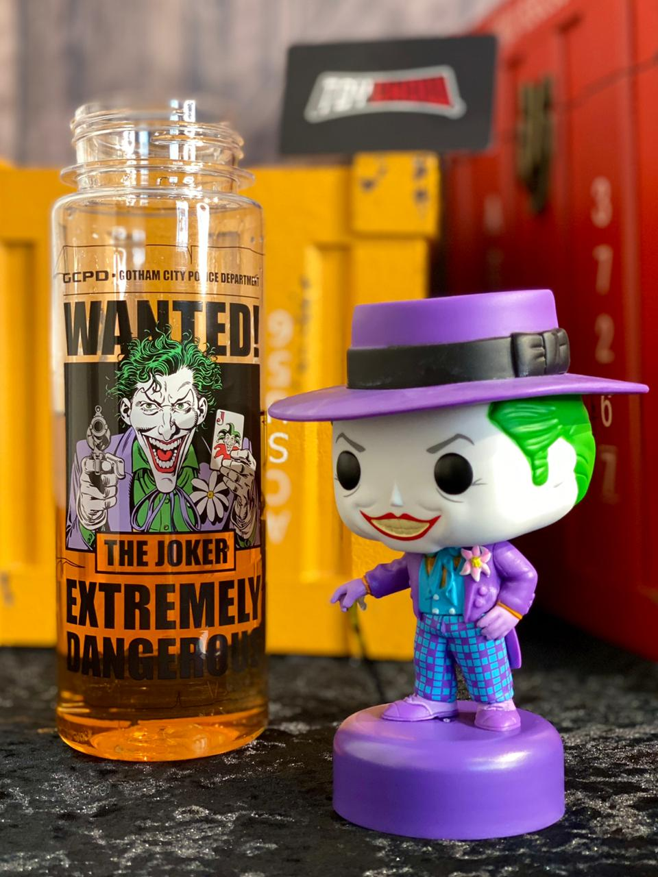 Garrafa (Squeeze):  Coringa '' Wanted! The Joker Extremely Dangerous ''