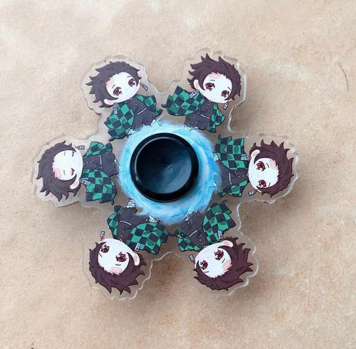 Hand Spinner Motion Tanjiro Kamado: Demon Slayer  Kimetsu no Yaiba - Rolamento Anti Estresse Fidget Hand Spinner - EVALI