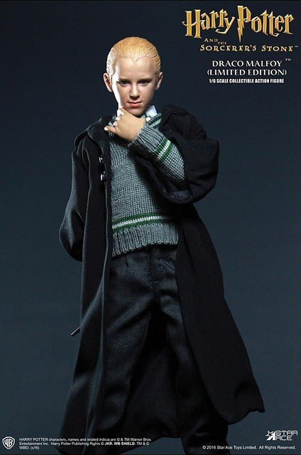 Harry Potter e a Pedra Filosofal: Draco Malfoy Escala 1/6 - Star Ace