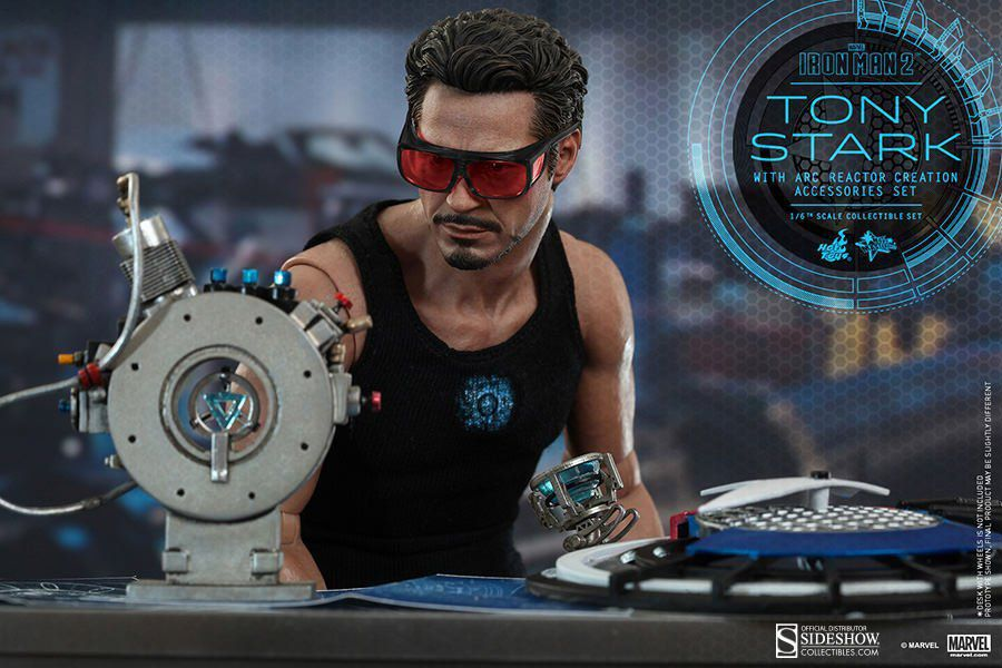 Boneco Tony Stark (With Arc Reactor Creation Accessories): Homem de Ferro 2 (Iron Man 2) Escala 1/6 (MMS273) - Hot Toys - CG