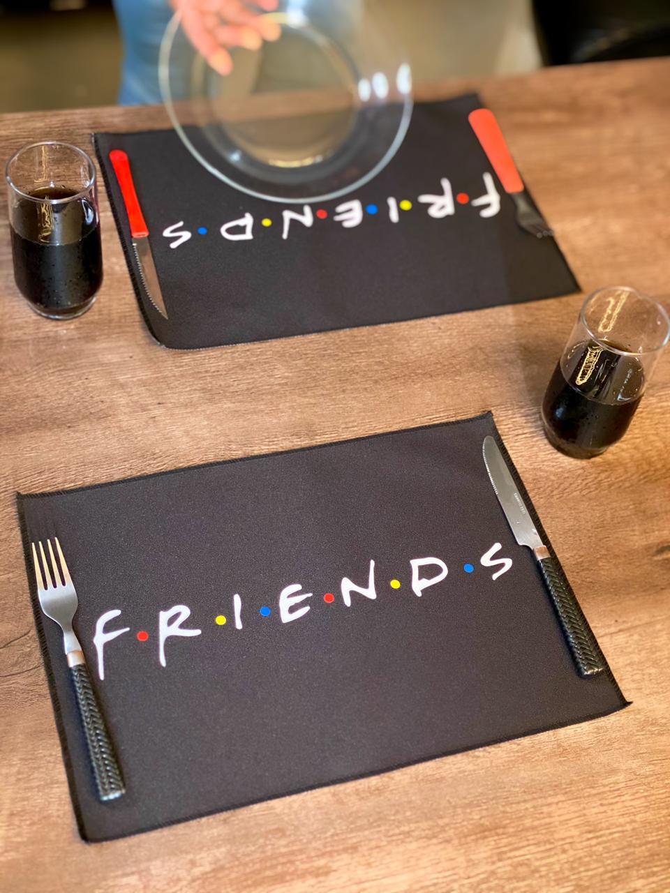 Jogo Americano: Friends (Kit com 02 Unid)