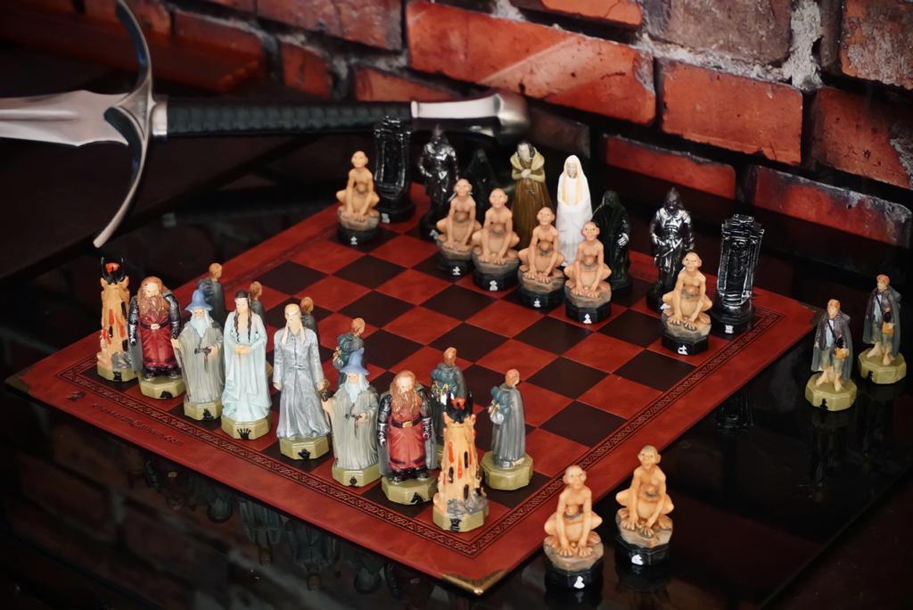 Jogo de Xadrez Chess Geek O Senhor dos Anéis The Lord of the Rings 32 Peças