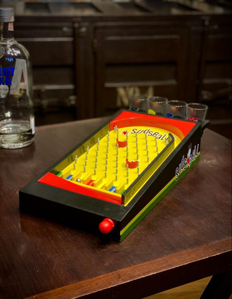 Jogo Pinball Drink Com 4 Copos de Shot