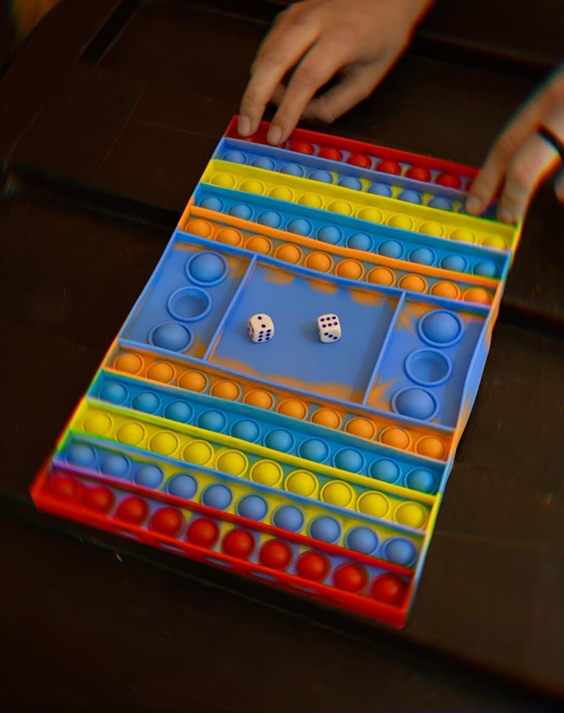 Jogo Tabuleiro Brinquedo Prime Anti Estresse Vermelho Azul Amarelo e Laranja Pop It Fidget Bubble Bolha Bola Pop Tube Stress Ball Wacky Track  Squish SquishMallow
