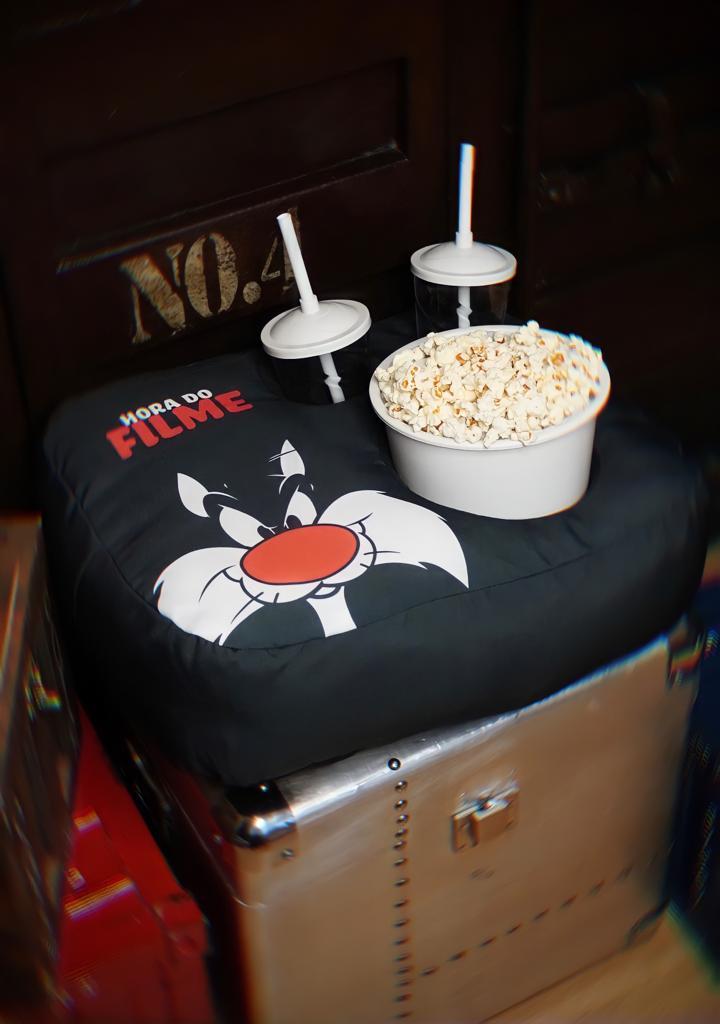 Kit Almofada Porta Pipoca Hora do Filme Frajola: Looney Tunes (2 Copos) - EV