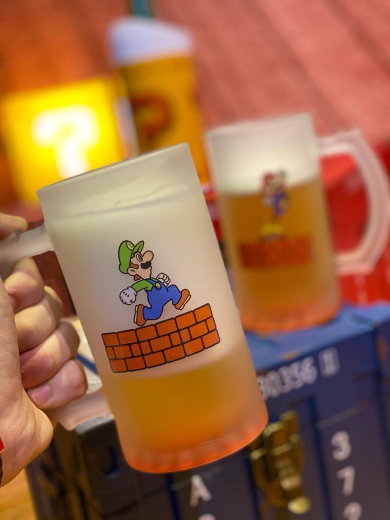Kit Caneca de Chopp Mario e Luigi: Super Mario Bros - 450ml