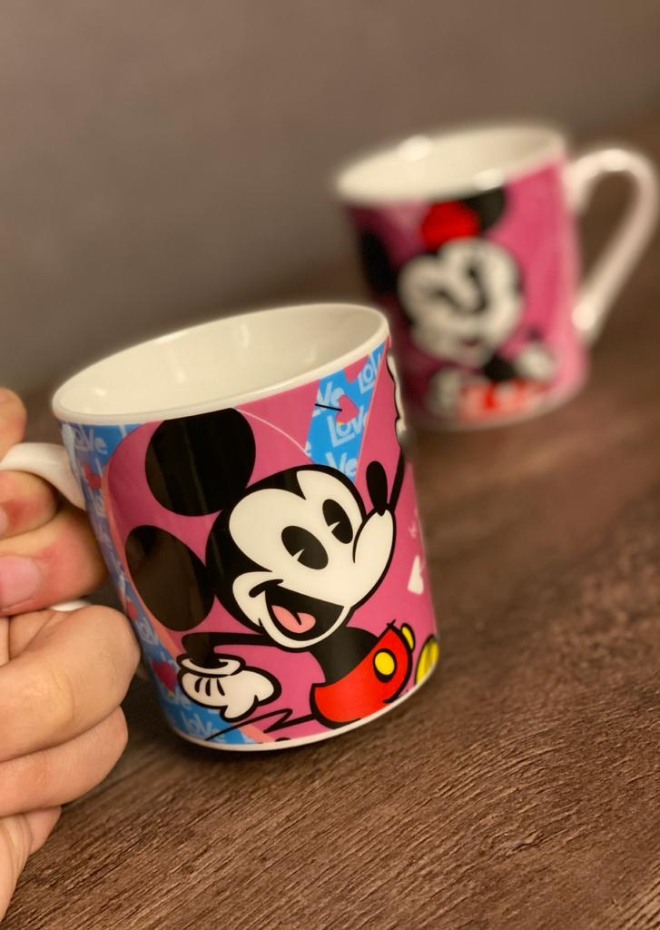 "Kit Canecas Mickey e Minnie ""Love""  Porcelana - Disney"
