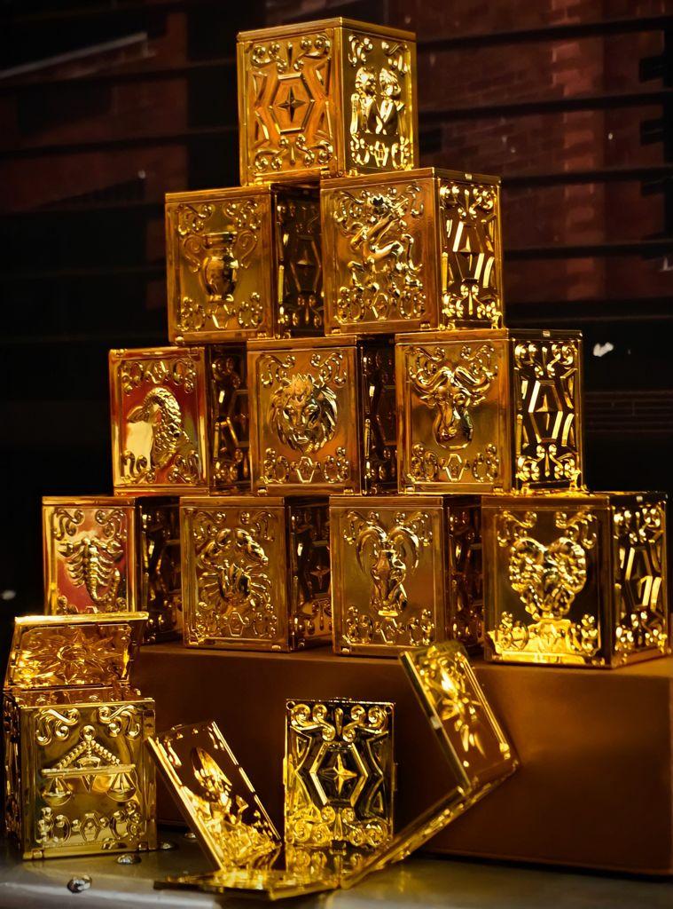 Kit Com 12 Caixa de Ouro Pandora Urna Armadura: Cavaleiros do Zodiáco - MKP