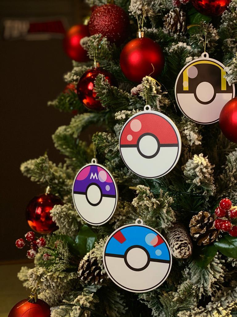 Kit Com 4 Enfeites Árvore de Natal Geek Pokebolas: Pokémon