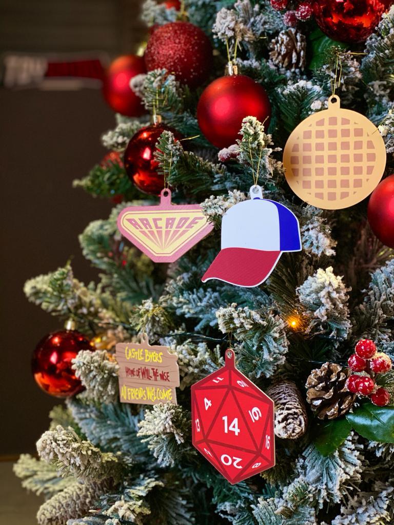 Kit Com 5 Enfeites Árvore de Natal Geek Stranger Things