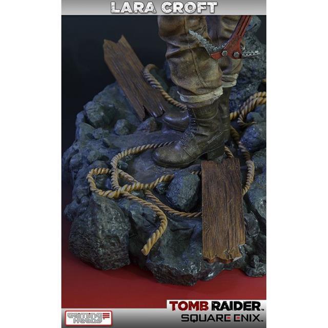 Lara Croft Survivor Statue Tomb Raider - Gaming Heads
