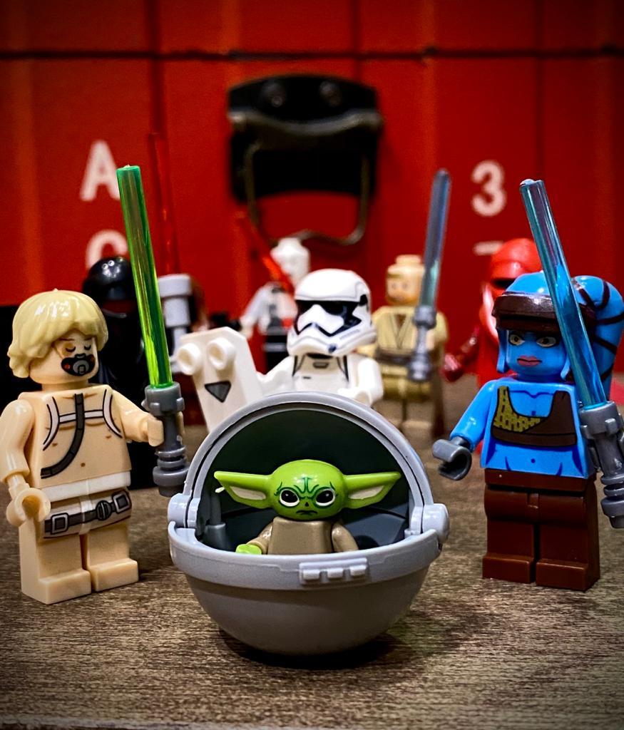 LEGO Baby Yoda Grogu No Berço Edição Especial: O Mandaloriano The Mandalorian  Star Wars - Bloco de Montar