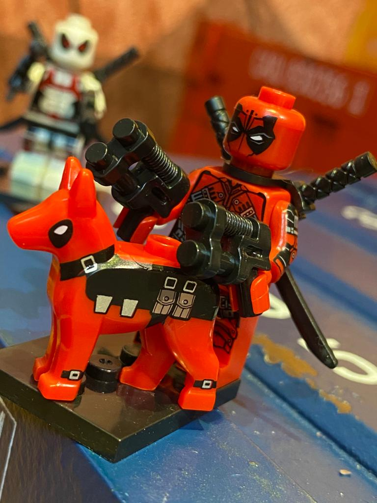 LEGO DeadPool (Com Cachorro) - Marvel