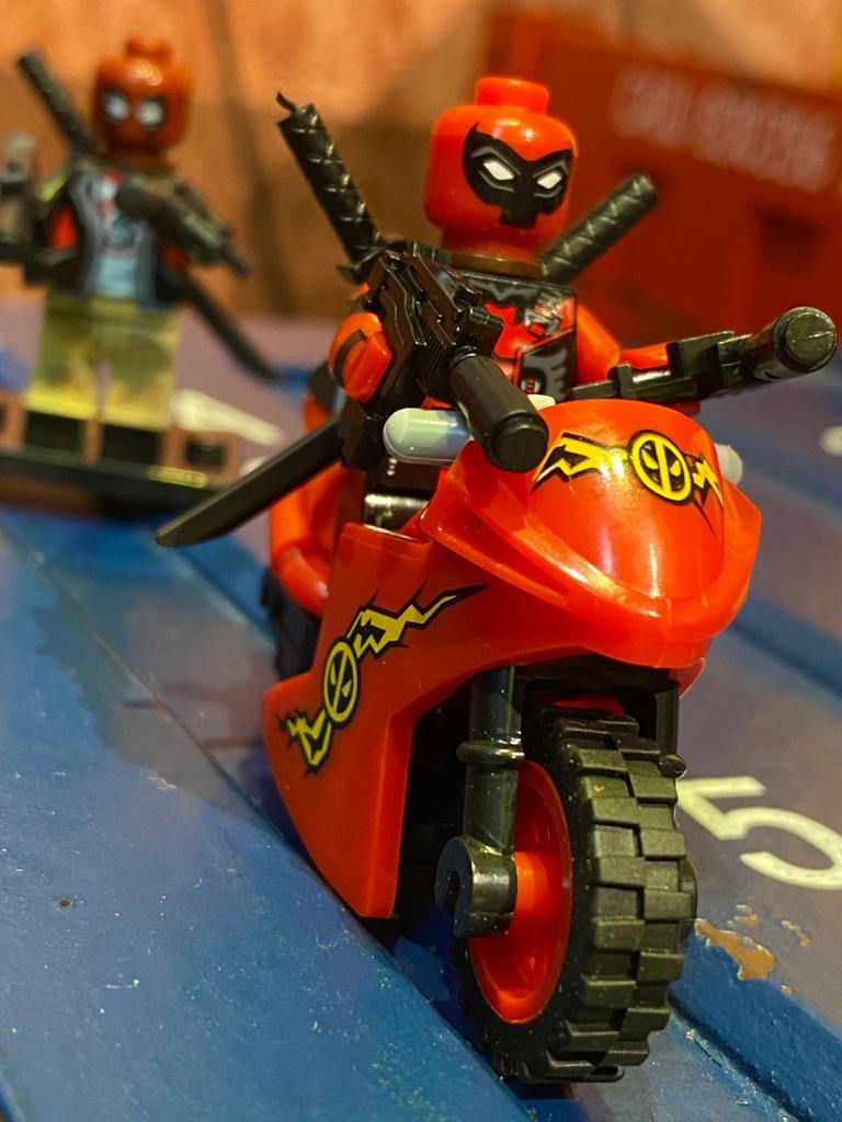LEGO DeadPool (Com Moto) - Marvel