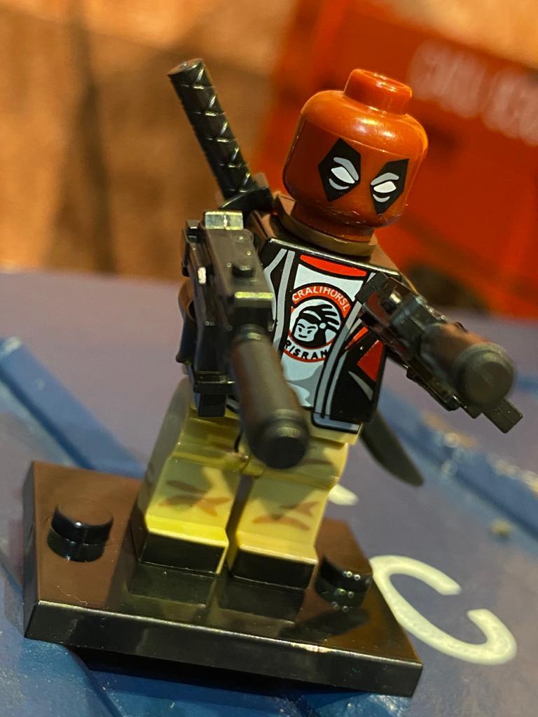 LEGO DeadPool (Traje Civil) - Marvel