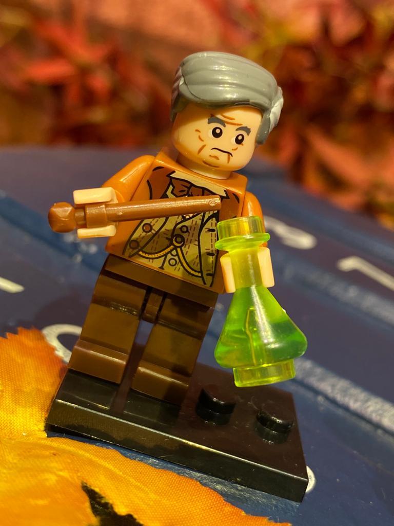 LEGO: Horace Slughorn - Harry Potter