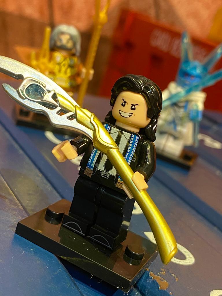 "LEGO ""Loki"" (Traje Civil) - Marvel"