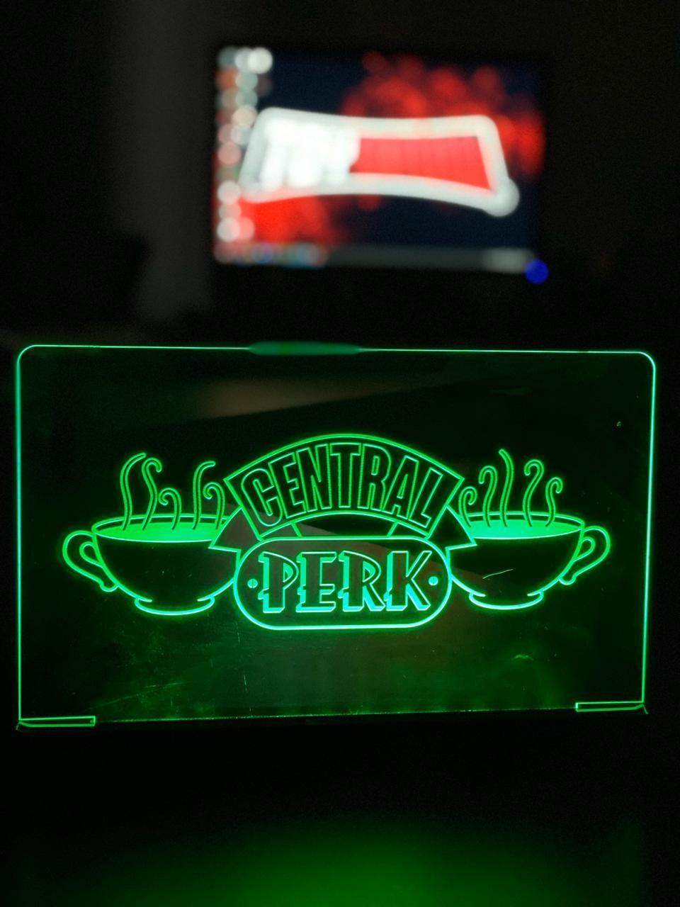 Luminária/Abajur Central Perk: Friends - Ev
