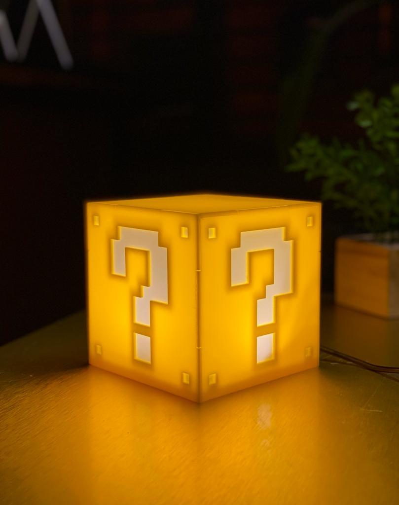 Luminária/Abajur De Mesa Cubo Bloco Interrogação: Super Mario Bros. - EV