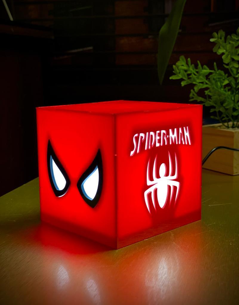 Luminária/Abajur De Mesa Cubo O Espetacular Homem Aranha: The Amazing Spider-Man - EV