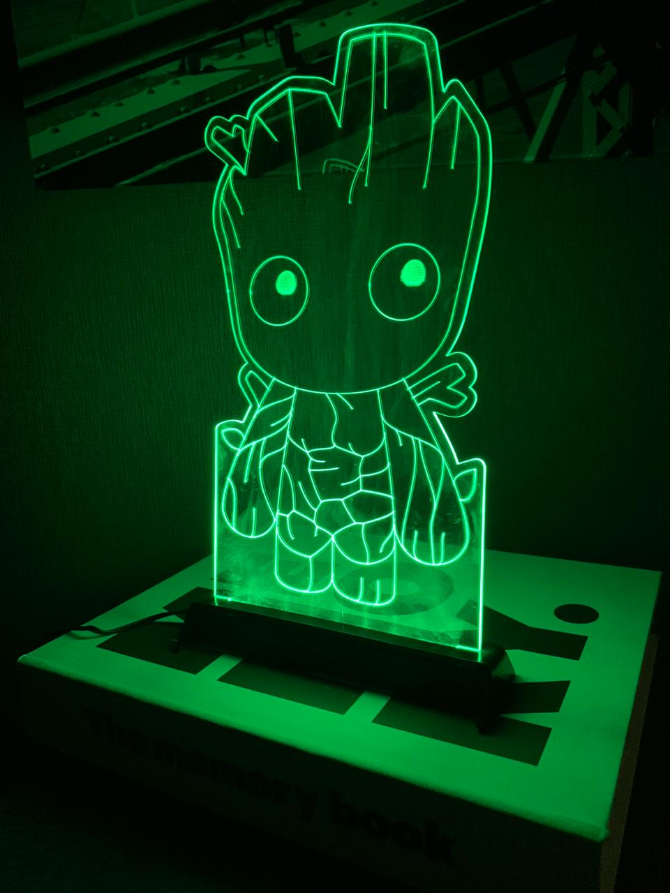Luminária/Abajur Groot: Vingadores (Avengers) - Marvel