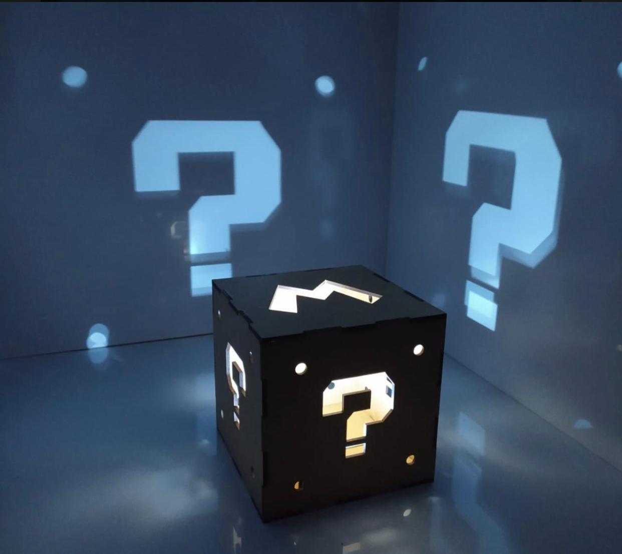 Luminária/Abajur Cubo Caixa Luz Branca Mario: Mario Bros. (De Mesa)
