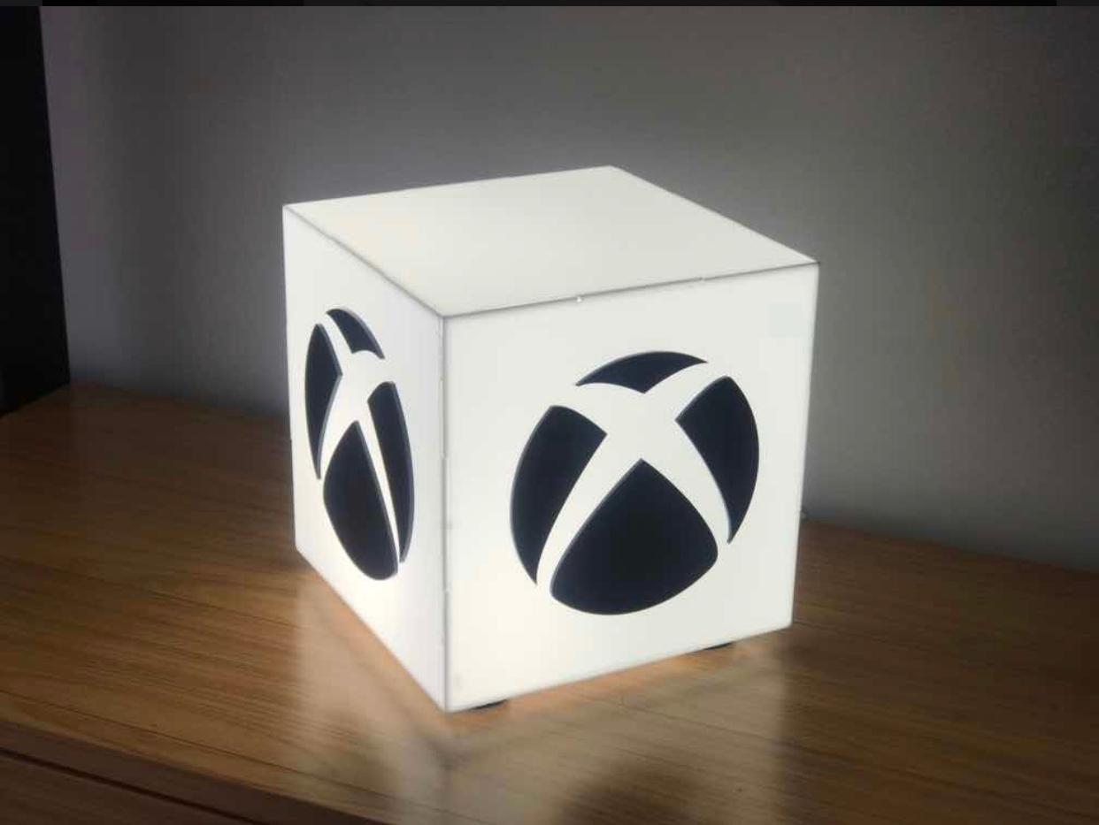 Luminária/Abajur Luz Branca Xbox Braco: Games (De Mesa)