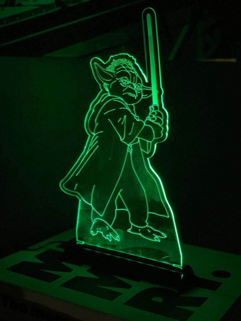 Luminária/Abajur Mestre Yoda: Star Wars