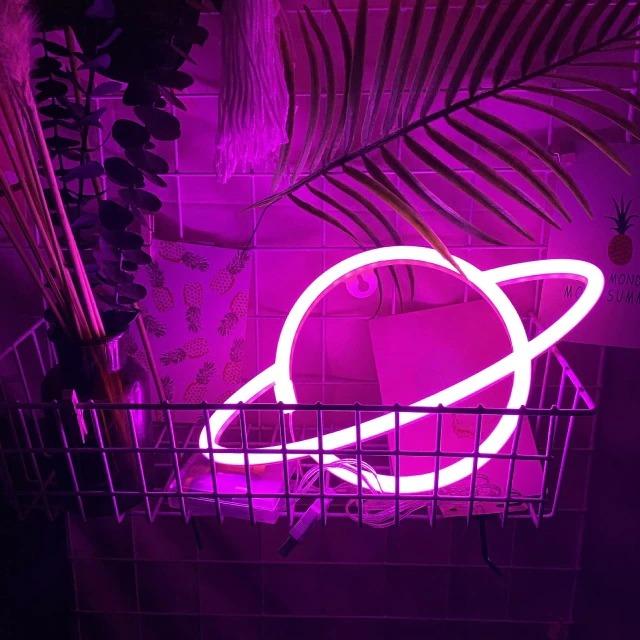 Luminária Abajur Neon Led Planeta Saturno 30 Cm Rosa - EVALI