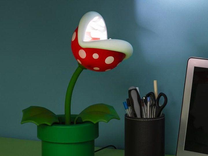 PRÉ VENDA: Luminária Abajur Planta Carnívora (Piranha Plant Posable Lamp): Super Mario Bros - Paladone - EV