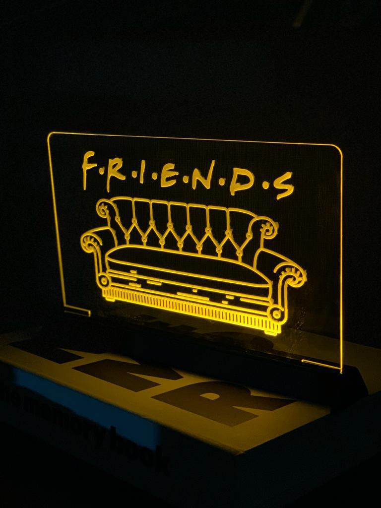 Luminária/Abajur Sofá: Friends