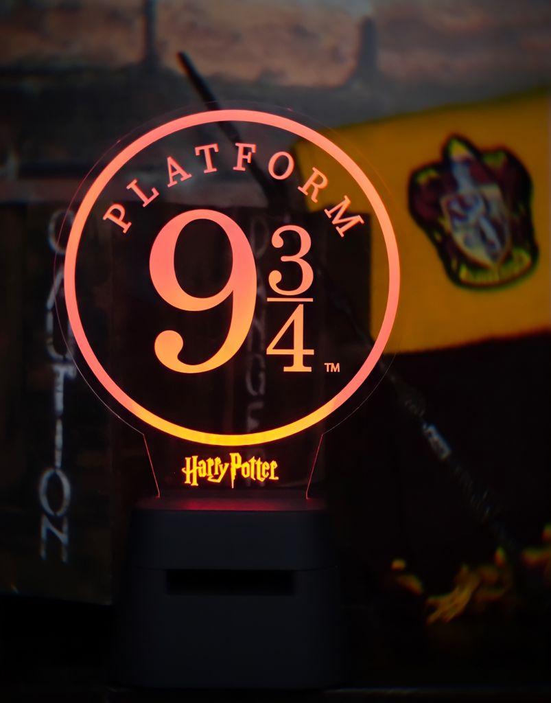 Luminária Abajur de Acrílico Caixa de Som Bluetooth Plataforma 9 3/4: Harry Potter - Zona Criativa