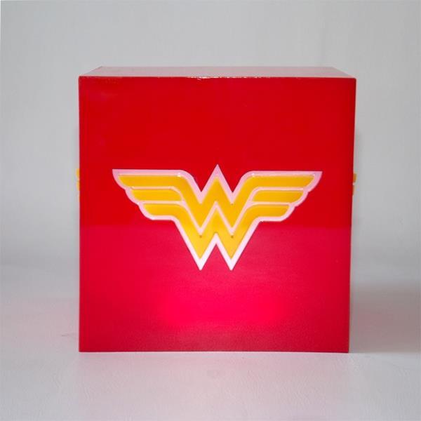 Luminária Cubo Wonder Woman - FP Design