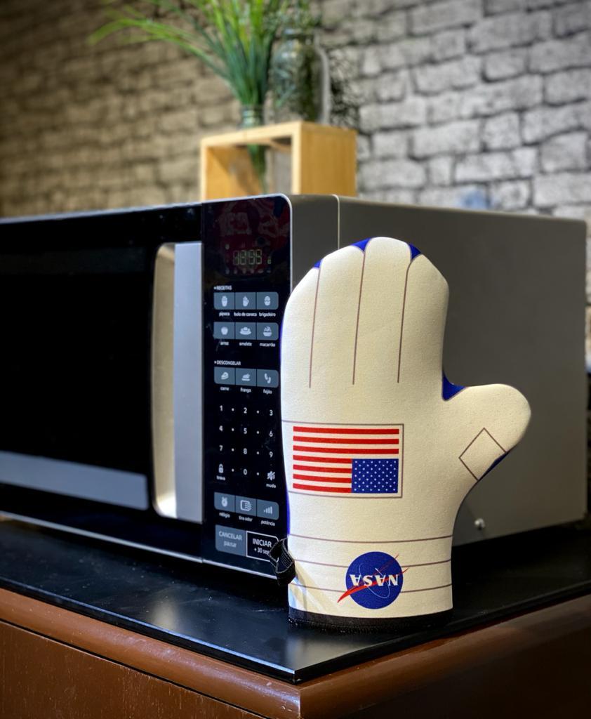 Luva de Forno/Cozinha Personagens: Astronauta ( Nasa )