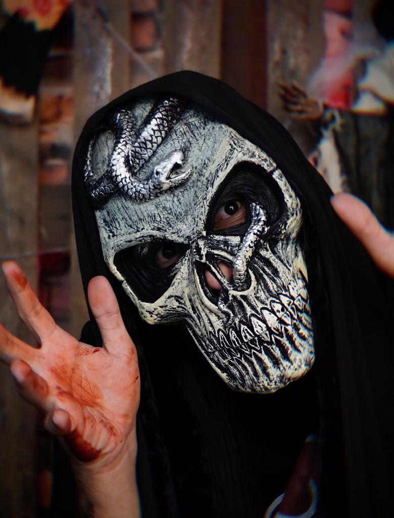 Máscara Caveira com Cobra: Terror Halloween Dia das Bruxas
