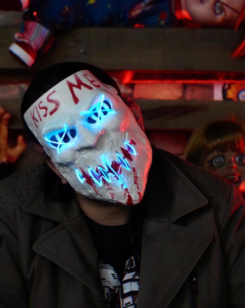 Máscara Com LED Kiss Me Azul: Uma Noite de Crime The Purge Terror Halloween Dia das Bruxas