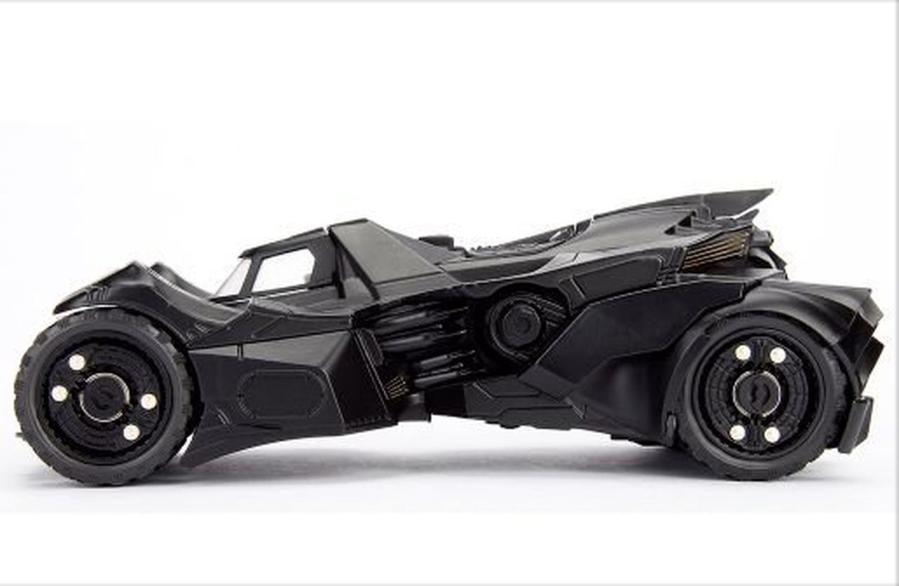 Metal Die Cast Batman e o Batmóvel (Batmobile) 2015: Batman Arkham Knight (DC Comics) Escala 1/24 - Jada Toys