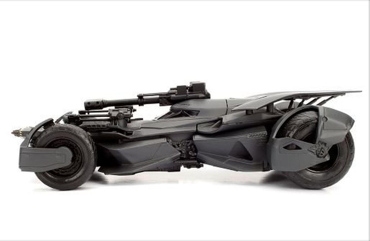 Metal Die Cast Batman e o Batmóvel (Batmobile): Liga da Justiça (Justice League) DC Comics (Escala 1/24) - Jada Toys