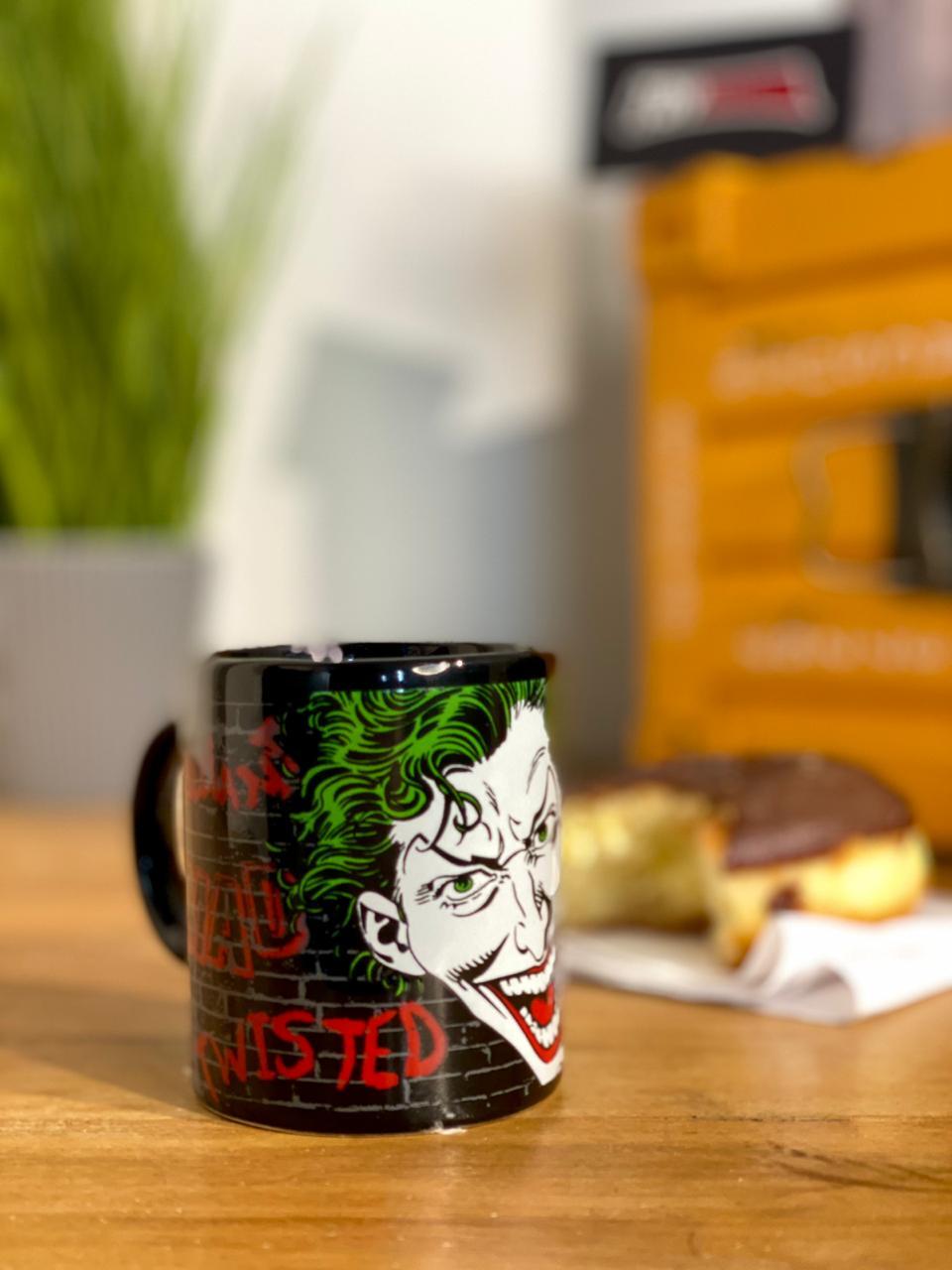 Mini Caneca de Porcelana: Coringa ( Joker ) - Urban
