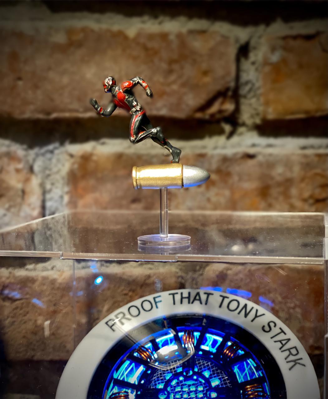 Mini Colecionável Homem Formiga Ant-man Capitão América Guerra Civil Marvel 6,5 cm