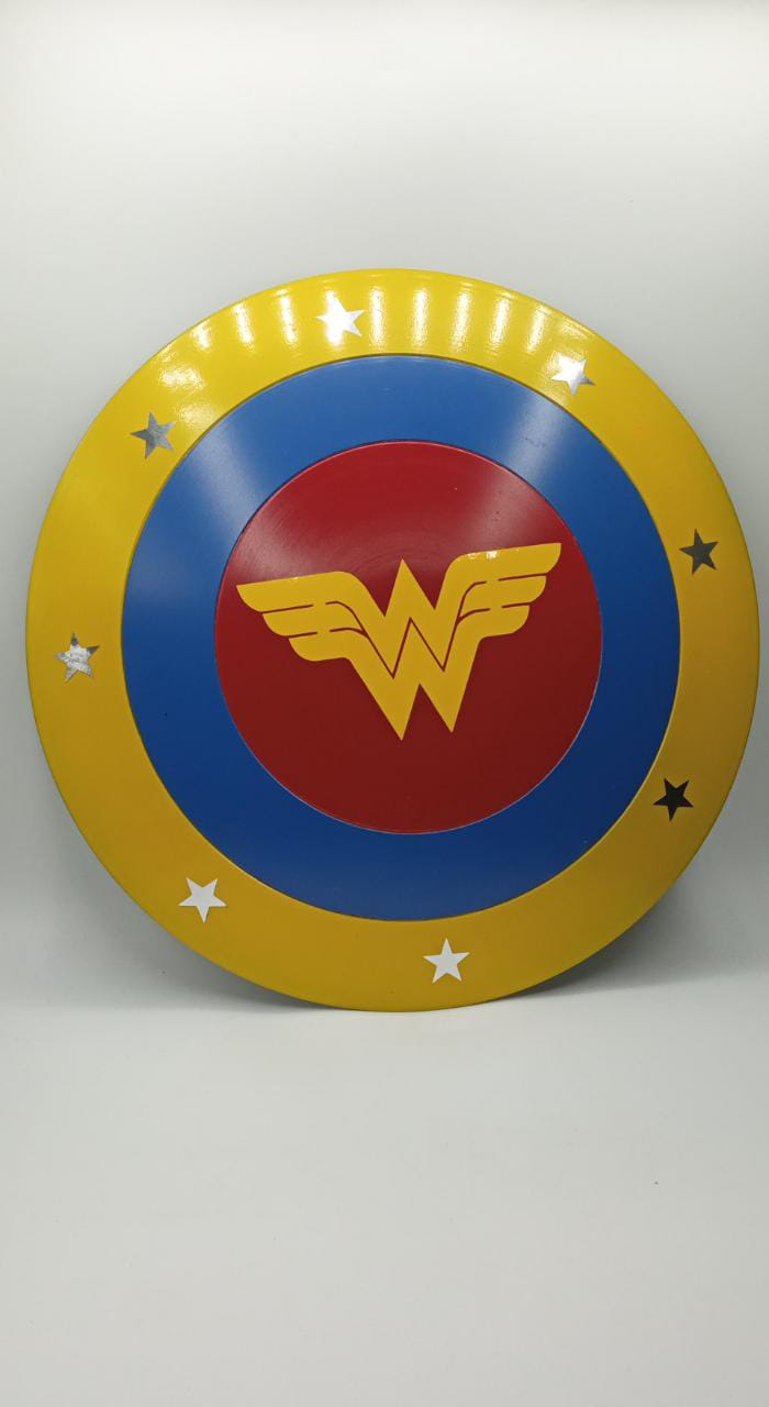 "Mini Escudo Mulher Maravilha ""Wonder Woman"""