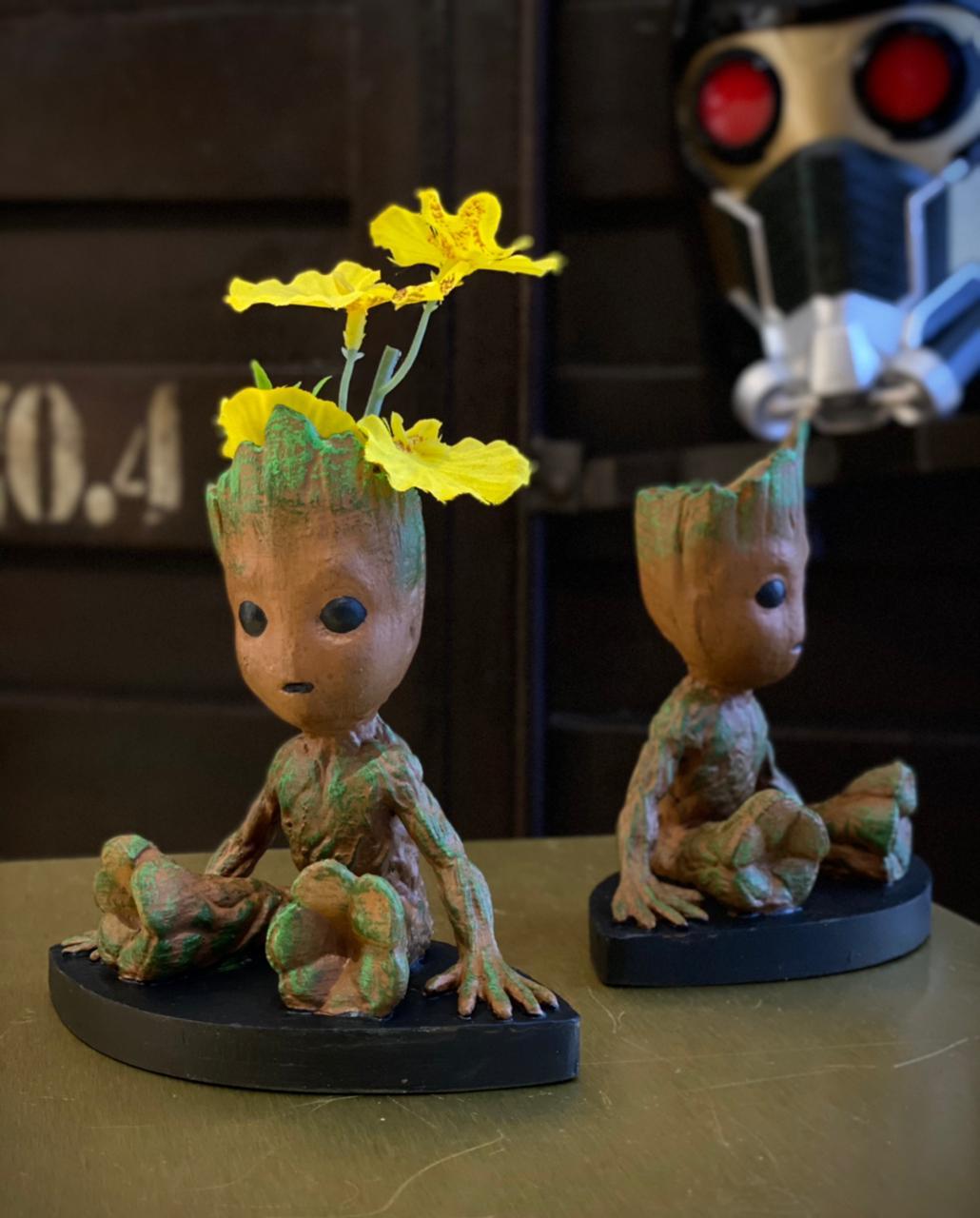 Mini Estátua Decorativa Baby Groot Guardiões da Galáxia Guardians Of The Galaxy Marvel Comics  - EV