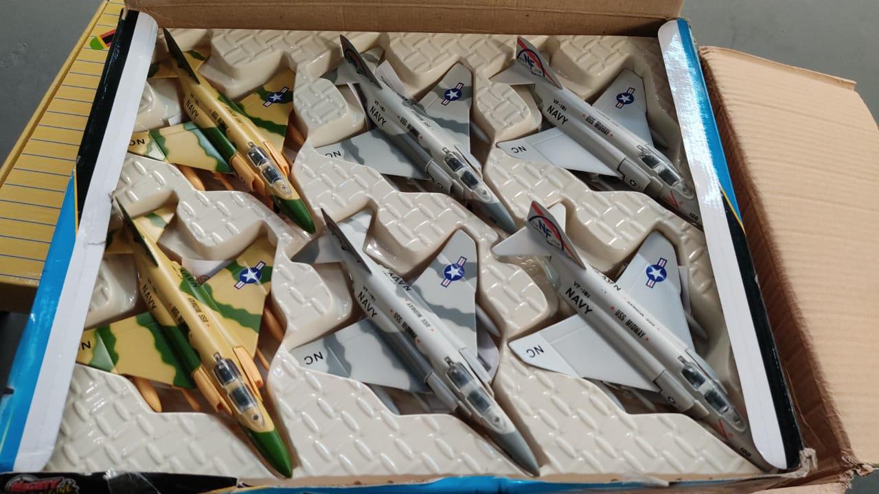 Miniatura Avião De Fricção F-4 Phantam - Die Cast: X-Force Commander (Sortido)