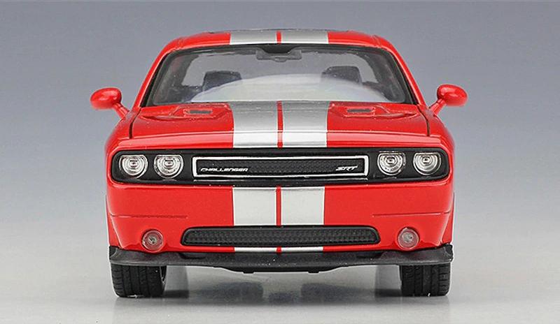 Miniatura Carro Colecionável Dodge Challenger SRT 2012 Vermelho Diecast Escala 1/24 - Welly - MKP